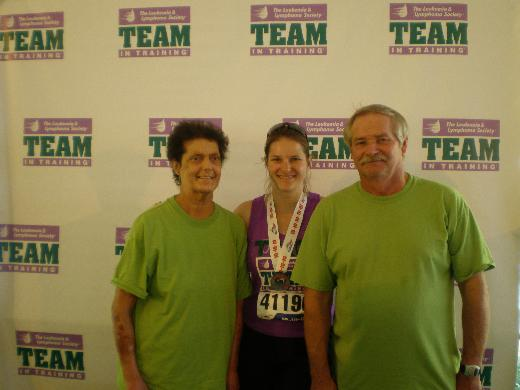 Traci with her parents, post Chicago Marathon 2010